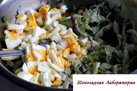 Овощной салат с грецкими орешками