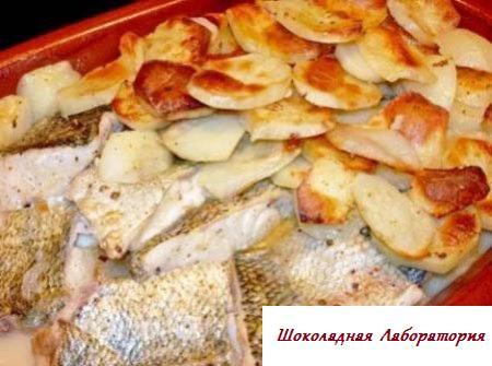 Картофельная лазанья с рыбой